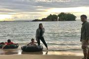Akhiri Libur Panjang, Pantai Batu Rusa di Mandailing Natal Dipadati Warga