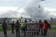 Diangkut Pesawat, 13.200 Dosis Vaksin COVID-19 Tiba di Kupang
