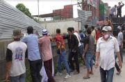 Tutup Askes Jalan Warga, PT. STTC Didemo Puluhan Massa
