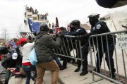Massa Pendukung Trump Serbu Gedung Capitol, Situasi Chaos