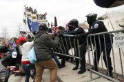 Situasi Gedung Capitol Chaos, Trump Dituduh Berupaya Kudeta