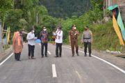 Kunker di Sinjai, Nurdin Tinjau Infrastruktur Jalan yang Baru Selesai