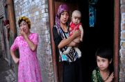China: Ekstremisme Membuat Wanita Uighur Jadi Mesin Pembuat Bayi