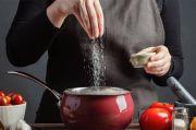 Tips Kendalikan Asupan Garam pada Makanan
