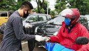 Jelang PPKM di Surabaya, PDOI Jatim Bagikan Masker dan Hand Sanitizer