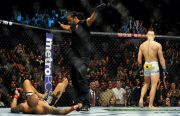 Conor McGregor Jatuhkan Dustin Poirier KO 60 Detik Spektakuler!