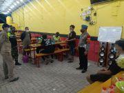 Petugas Gabungan TNI/Polri Sidoarjo Bubarkan dan Tutup Paksa Warkop Buka 24 Jam