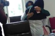 Tangis Haru, Mahasiswa Cantik vs Ibu Kandung Pilih Berdamai