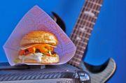 Menikmati Bad Bone Burger Sembari Tell Your Story