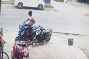 Batubara Gempar, Maling Gasak Motor Matik Terekam CCTV di Jalinsum Indrapura
