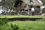 Warga Aceh Besar Gempar, Tanah Gerak Munculkan Rekahan Besar Ancam 14 Rumah