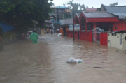 Hujan Deras Landa Manado, Banjir dan Pohon Tumbang Terjadi di Kecamatan Tuminting
