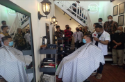 Gagas Sekolah Cukur, Milenial Bandung Buka Peluang Usaha di Tengah Pandemi