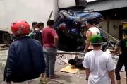 3 Tewas, 4 Terluka Akibat Kecelakaan Maut Truk Trailer vs Truk Sampah