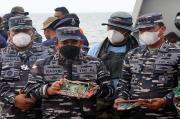 Hari Kesembilan Pencarian SJ 182, Tim SAR Gabungan TNI AL Serahkan Temuan