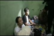 Polisi Gerebek Rumah Kos, Temukan Pasangan Mesum Masih Bugil dan Pesta Miras