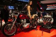Cara Nggak Bikin Ribet Naik Motor untuk Para Wanita