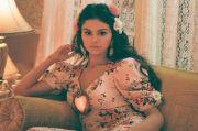 Selena Gomez Bicarakan Patah Hati di Lagu Berbahasa Spanyol, De Una Vez