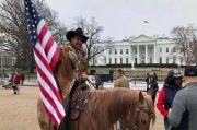 Turut Serbu Gedung Parlemen AS, Komisaris Kota New Mexico Diamankan Polisi