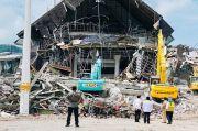 Jokowi Tinjau Kantor Gubernur Sulbar yang Rusak Akibat Gempa