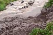 Puncak Bogor Diterjang Banjir Bandang, Wakil Bupati Salahkan Hujan