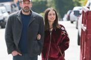 Setahun Jalin Asmara, Ben Affleck dan Ana de Armas Dikabarkan Putus