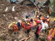 Trauma Longsor, Puluhan Warga Sumedang Masih Mengungsi di Lima Titik