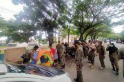 Satpol PP Bulukumba Tertibkan PKL yang Berjualan di Trotoar