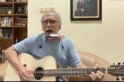 Iwan Fals Cerita Lagu Oemar Bakrie Awalnya Diberi Judul Abdul Gani