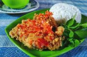 Resep Ayam Geprek Crispy dan Pedas, Bikin Makan Berselera
