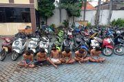 Enam Remaja di Surabaya Digelandang ke Kantor Polisi, Diduga Hendak Tawuran