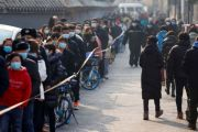 Antrean Panjang Terlihat Saat Beijing Gelar Tes Covid-19 Massal