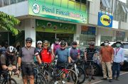 Gowes 80 Km, Saleh Husin dan Pramono Anung Mampir Nikmati Pecel Pincuk Ibu Ida