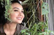 Saking Cintanya Pada Tanaman, Bila Yuni Shara Sakit Tanamannya Ikut Layu