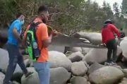 Heboh Penemuan Sayap Pesawat di Bibir Pantai Teluk Putri Bintan