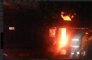 Diduga Konsleting, Warung Kuliner Bakmi di Jalan Sutoyo Yogya Terbakar