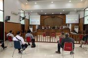 Jumhur Hidayat Sampaikan Eksepsi, Dakwaan Jaksa Cacat Formil