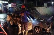 Sedan Timor Ludes Terbakar di Jalan Malang-Pasuruan Desa Sambisirah