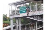 Upaya Penyelamatan Wanita Hamil yang Coba Lompat dari JPO Otista Nyaris Gagal