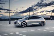 Mercedes-Benz Bersiap Hadirkan Crossover Berukuran Kecil