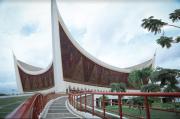 Masjid Raya Sumbar Paduan Rumah Gadang dengan Arsitektur Modern