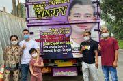 Truk Bergambar Wajah Raffi Ahmad Mampir ke Rumah Andara