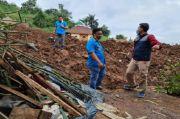 KNPI Kembali Serahkan Bantuan untuk Korban Longsor di Cimanggung