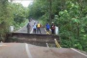 Jembatan Putus Terseret Banjir, Aktivitas Ribuan Warga Gunung Kidul Lumpuh
