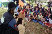 Dongeng Ceria Hibur Anak-anak Korban Gempa Mamuju di Tenda Pengungsian