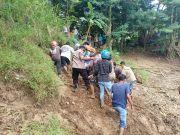 Cirebon Geger, 2 Mayat Diduga Korban Tawuran Genk Motor Mengapung di Sungai Cisanggarung