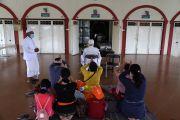 Doa Keramat dalam Ritual Nitip di Geni Iringi Pembakaran Jenazah COVID-19