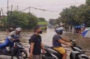Banjir Rendam Permukiman di Jakarta, Aktivitas Warga Terganggu