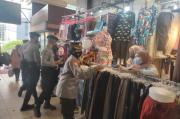 Tekan Pandemi COVID-19, Polrestabes Bandung Bagikan Ribuan Masker