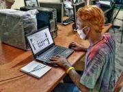 MNC Peduli Berikan Komputer dan Makanan Ringan untuk Anak Jalanan